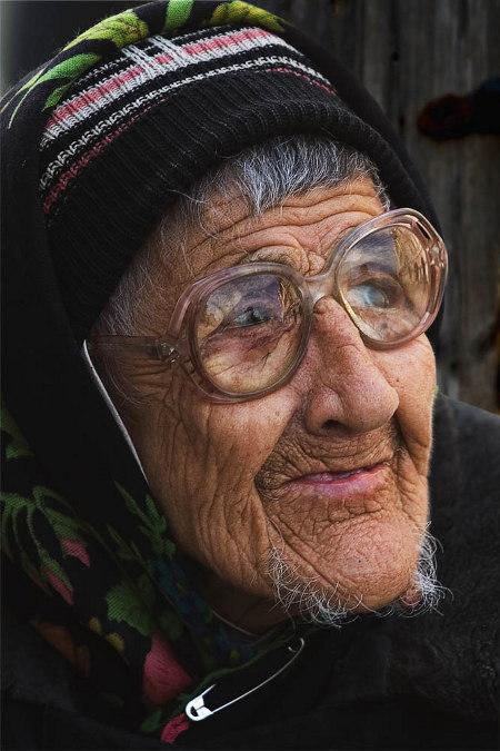 А. Шлыков. Портрет старушки. 2005