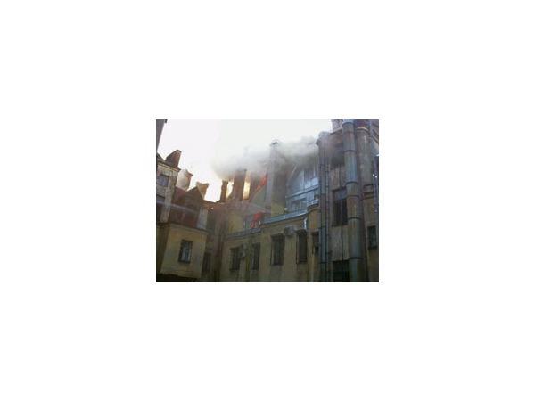 Пожар в здании театра локализован