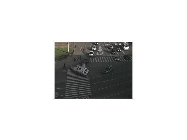 Очевидцы: Скорая попала в аварию на Исаакиевской площади