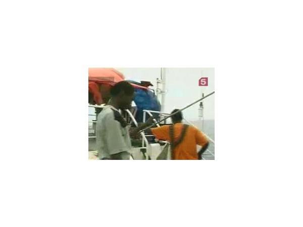 Пираты захватили судно с гражданами России и Украины
