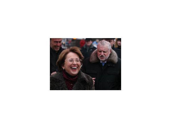 Как Миронов и Дмитриева гуляли по Невскому проспекту