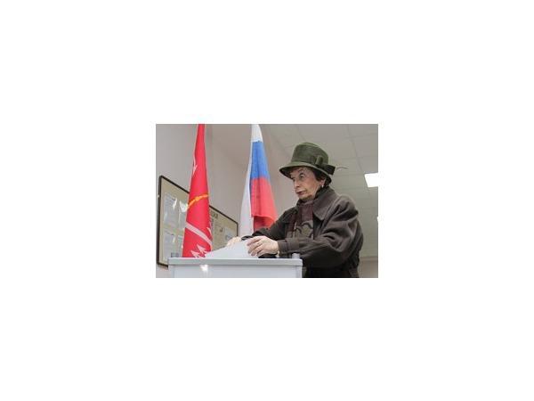 Предварительные итоги хода голосования в Петербурге на 14:30