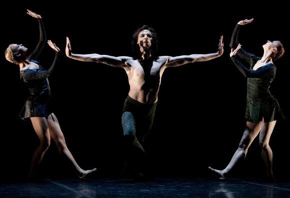 Сцена из балета «Дуэнде», хореограф Начо Дуато, Михайловский театр