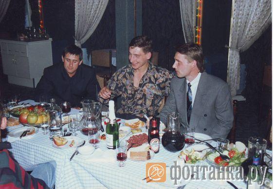Василий Владыковский (крайний слева), Юрий Колчин (в центре)