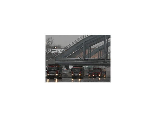 Полтавченко запустил движение по набережной под Американскими мостами