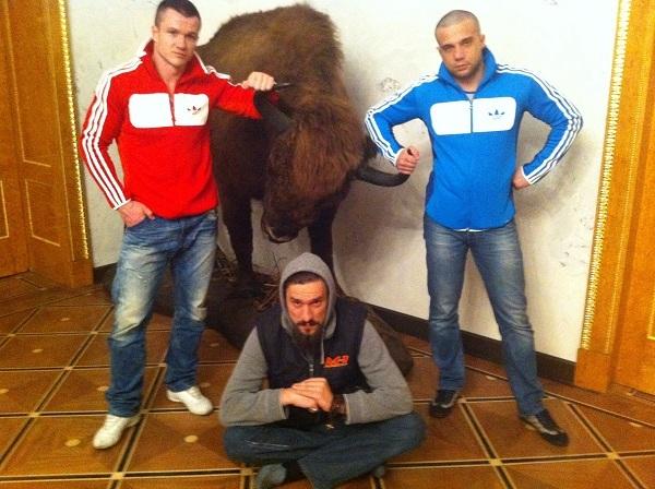 Справа - Дмитрий Смилянец, в центре - Сергей Матвиенко. Фото с сайта http://moscowfive.ru