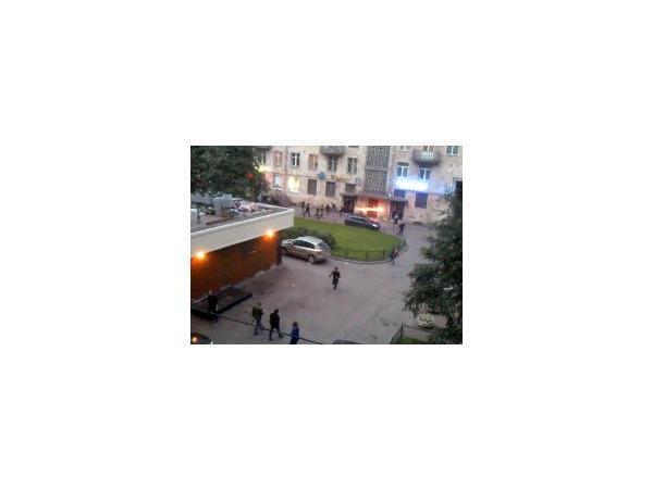 """В Московском районе произошло нападение на посетителей """"Макдональдса"""". Семеро задержаны"""