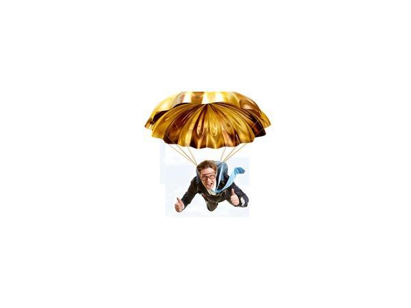 Парашютам режут «золотые» стропы