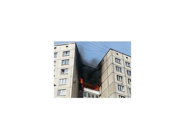На Академика Байкова горела квартира в многоэтажке