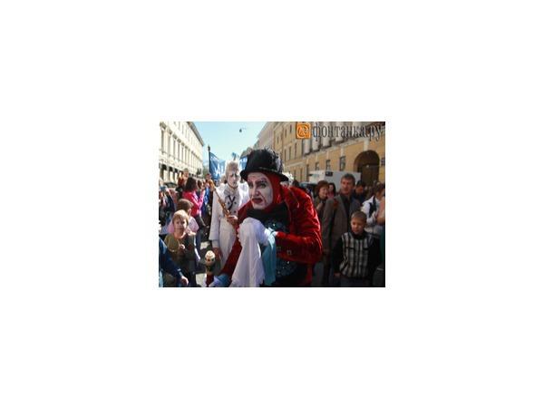 Полиция прекратила мероприятие Cirque du Soleil в центре Петербурга