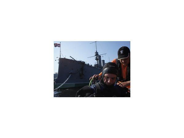 Водолазы развенчали миф крейсера «Аврора»