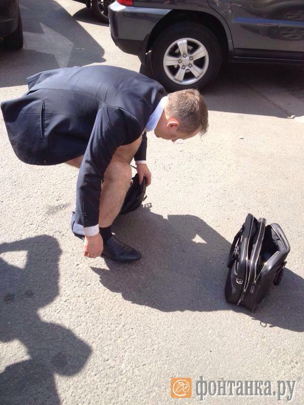 Загадочное происшествие: чиновник терял штаны на Невском (Иллюстрация 1 из 1)