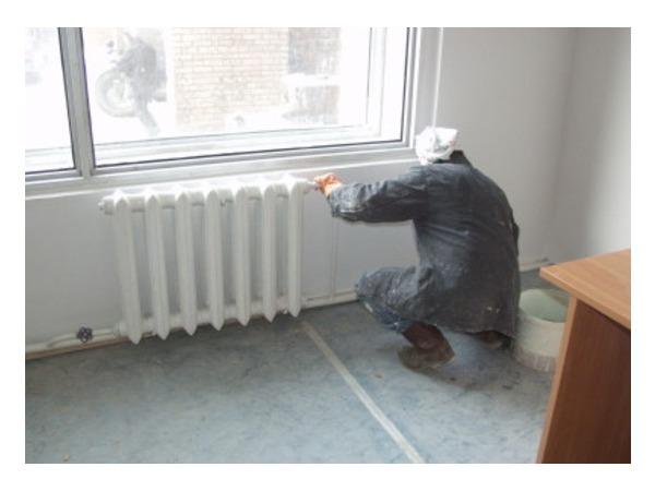 В доме на Софьи Ковалевской — горячие батареи. Жители покинули квартиры