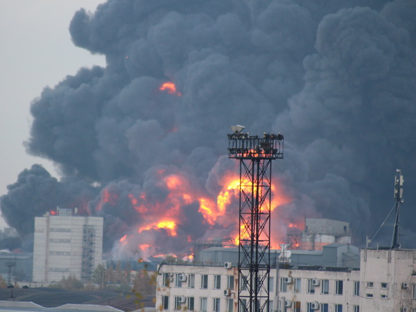Пожар на Парнасе впервые за год тушат по высшему, пятому номеру