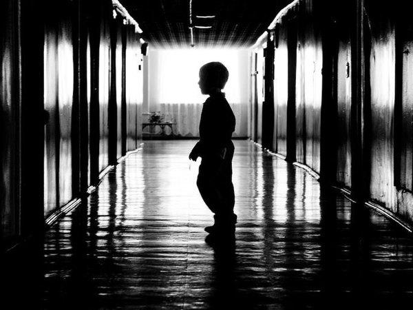 Отказаться от сироты. Кто виноват и что делать?