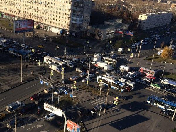 Из-за аварийного отключения Первомайской ТЭЦ пять районов Петербурга  остались без света