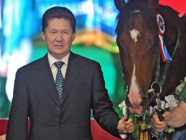 Миллер въедет в Петербург на коне