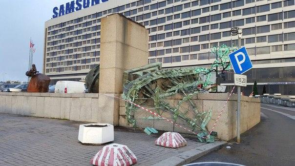 шторм в питере декабрь 2015 гостиница санкт-петербург чёрный список абонент