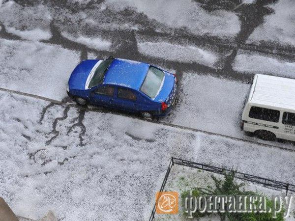 В Петербурге в середине лета наступила зима