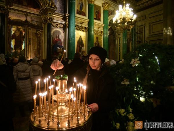 В храмах Петербурга прошли рождественские богослужения