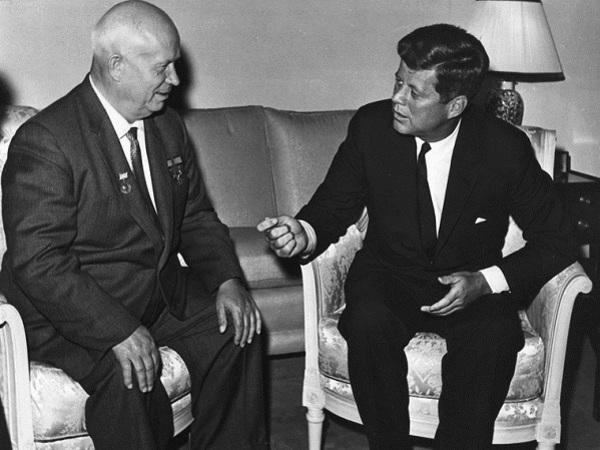"""Лев Лурье: Как """"мамочкин сынок"""" Кеннеди сменил Эйзенхауэра"""