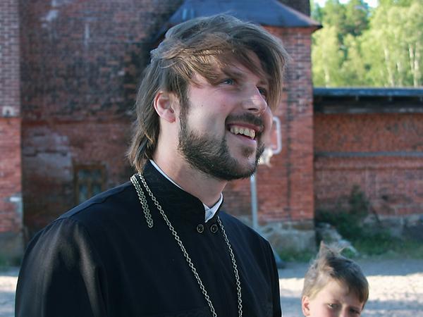 Отца Глеба вернут со Святой земли