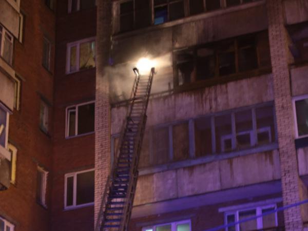 Пожар в многоэтажке на Двинской ликвидировали