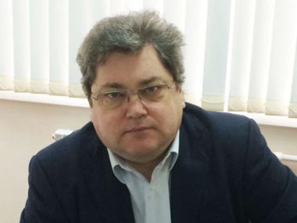 Генерал-чекист построит туристов в Смольном