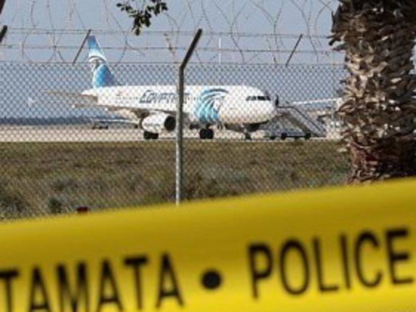 Экипаж: Насколько возможно в России угнать самолет по сценарию рейса Egypt Air?