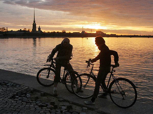 ПМЭФ встал на пути велосипедистов