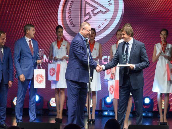 Питер-Лада победила в профессиональном рейтинге Дилер Года