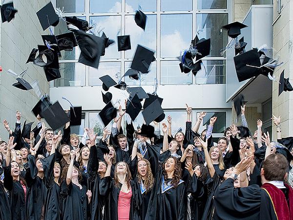 Учиться за границей: сколько стоит и стоит ли?