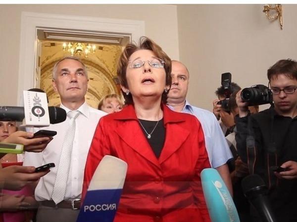 Партию Дмитриевой довели до регистрации