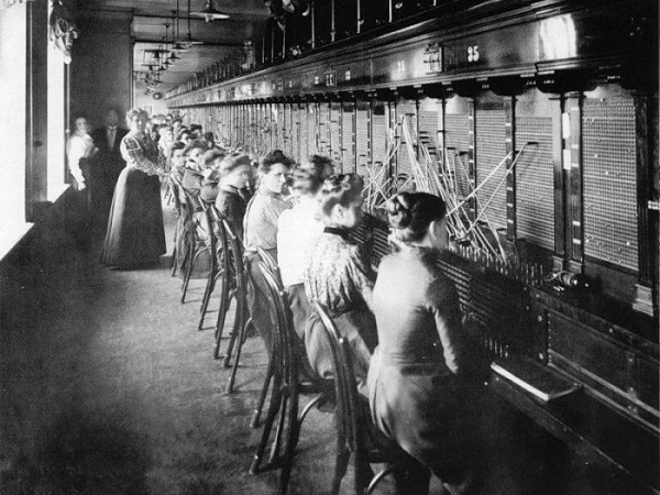 Nota Bene: Как телефония 118 лет назад способствовала развитию общества