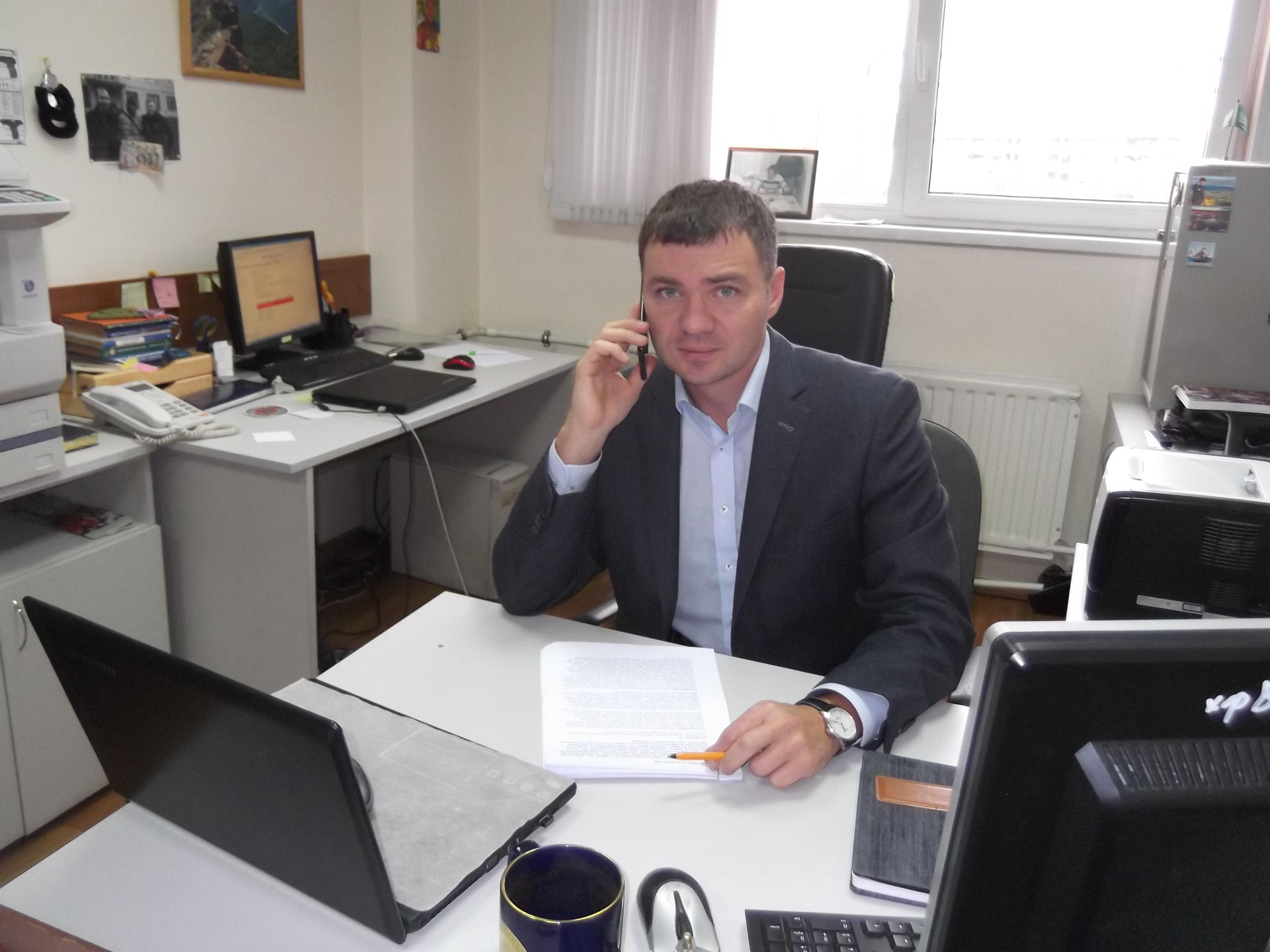 Яндекссекс в кабинете у начальника в тро м