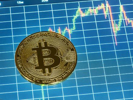Почему «их» биткоин ставит рекорды, а «наш» эфириум нет?