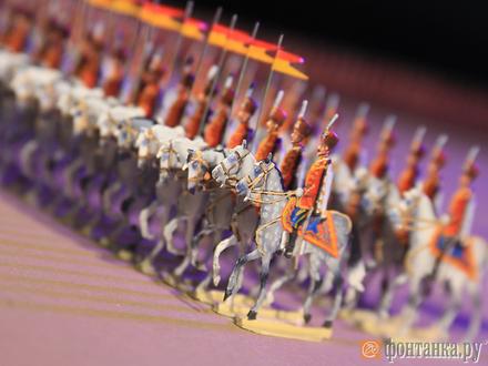 Не игрушки: солдатики на миллионы подарены Музею Суворова