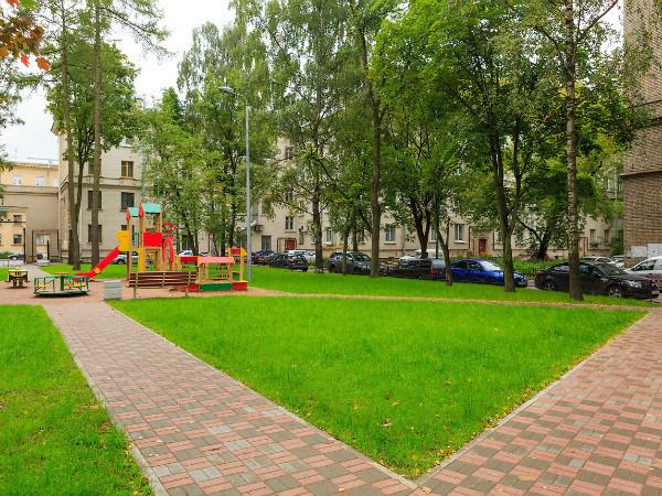 Компания «СТК-Строй» реконструировала 5 дворов на Черной речке