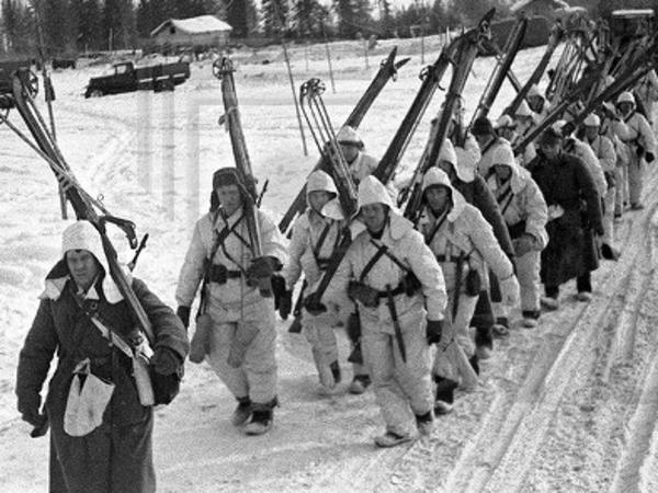 «Мы не бомбим, мы сбрасываем корзины с хлебом страдающему финскому населению»