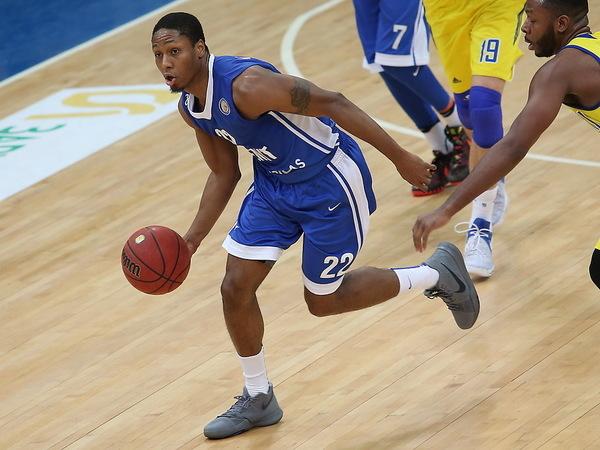 Баскетбольный «Зенит» поставил на ноги