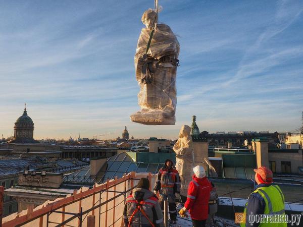 На собор святой Екатерины возвращают статуи апостолов
