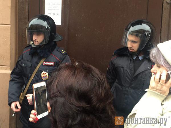 На организатора шествия оппозиции по Петербургу составляется протокол