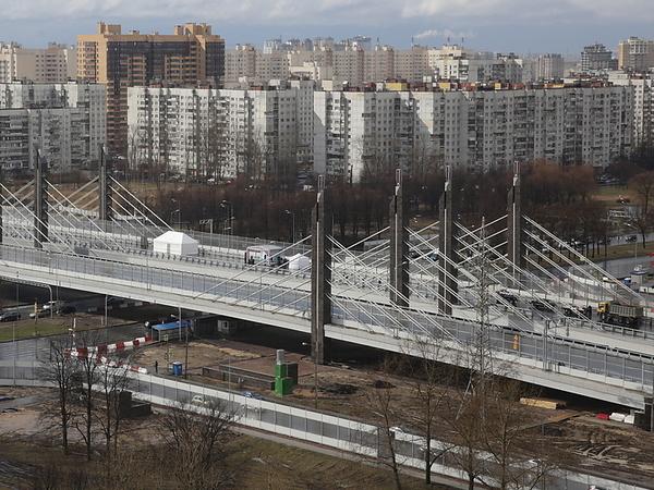 ФСБ с10 утра обыскивает кабинеты Дирекции транспортного строительства и«Пилона»