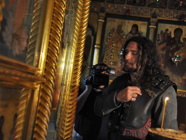 Байкер врач объявил, что поддерживает передачу Исаакия РПЦ