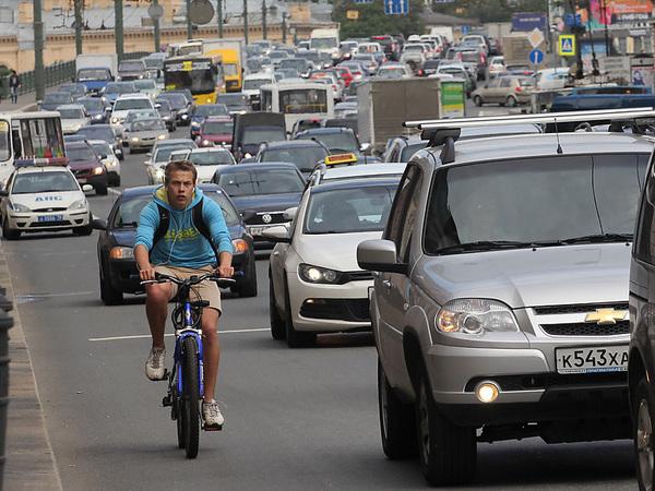 Автомобилистов «бортанули» велодорожки