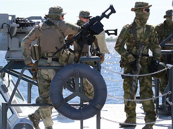 Плюшевая оттепель Военно-морского салона