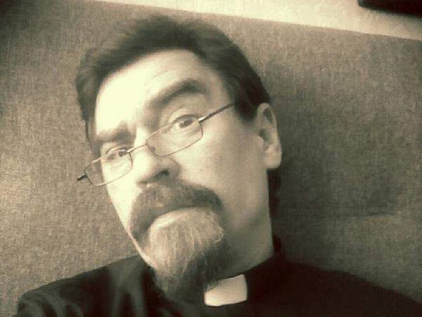 Священник Денис Батарчук: «Люди идут к мощам, как в аптеку»