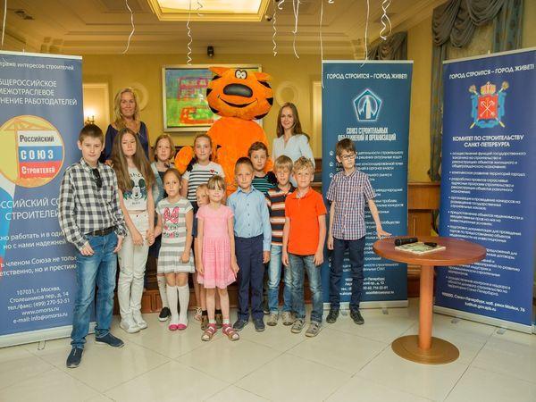 «Эталон ЛенСпецСМУ» поддержала конкурс детских рисунков «Мои родители – строители»