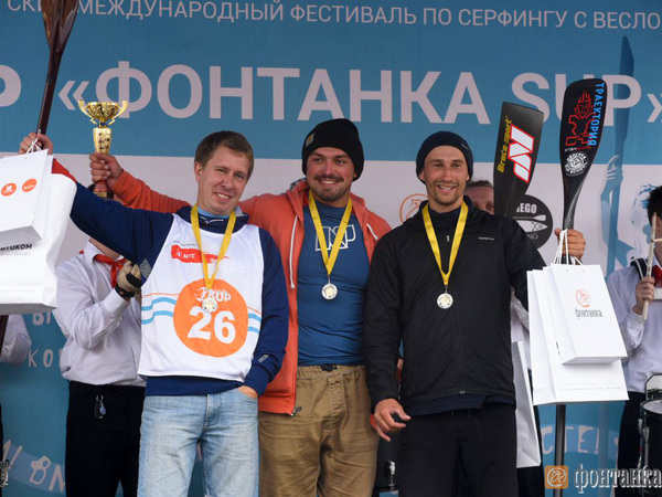 Спортсмен с Алтая Крайтор выиграл 1-й этап Кубка России по SUP-серфингу в Петербурге