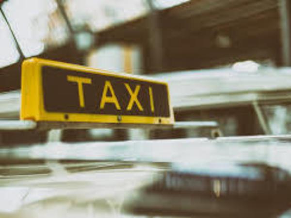 Почувствуй себя таксистом: китаянка, немец и француз произносят названия петербургских улиц